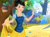 Snow White: fantasy dress up
