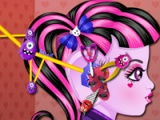 flash игра Monster High. Ear paramedic