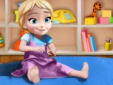 flash игра Anna playing with baby Elsa