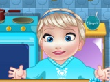 Baby Elsa kupikia homemade icecream